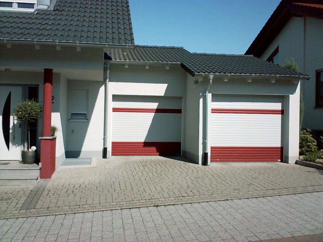 Rolltor Weiß-rot